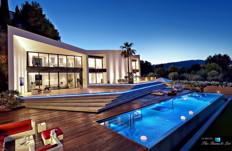 LUXURY MESA HOMES FOR SALE