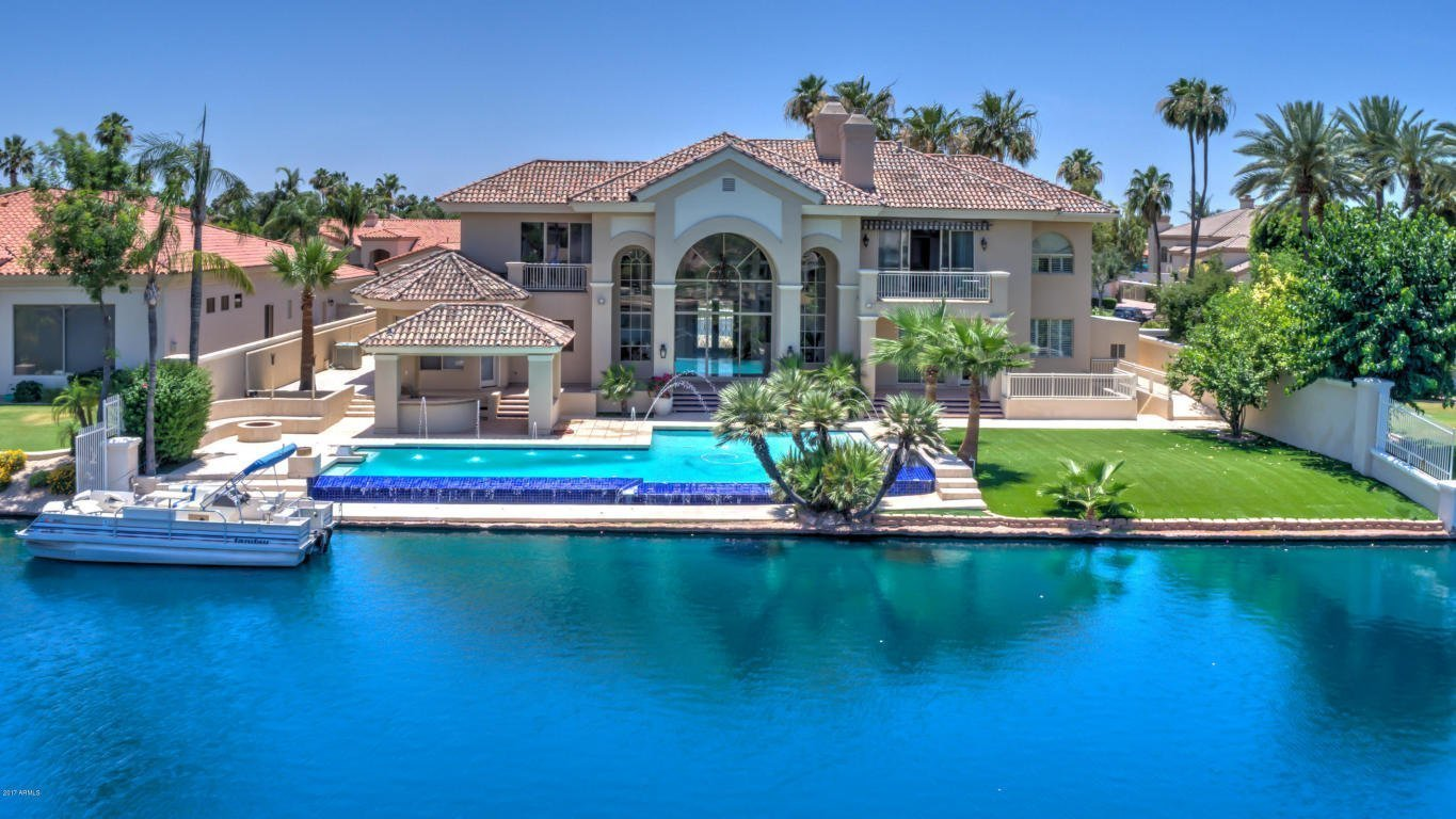 Waterfront Homes For Sale in Gilbert